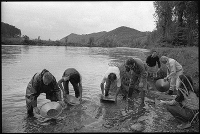 28.5.82. Orpaillage en Ariège (1982) - 53Fi5405.jpg