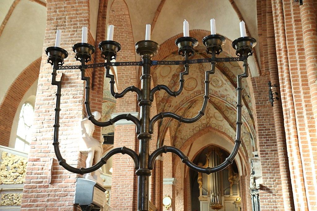 4 7-armet lysestake i storkyrkan stockholm.JPG