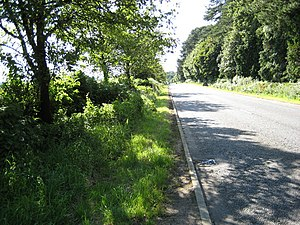 A51 road - Image: A51 West of Cliffords Wood Cottages geograph.org.uk 514248