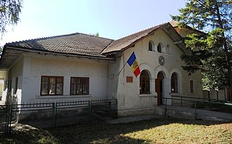 Sîngerei - Image: AIRM Museum of History and Ethnography of Sîngerei sep 2015