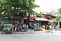 A street of Manila (17107049479).jpg