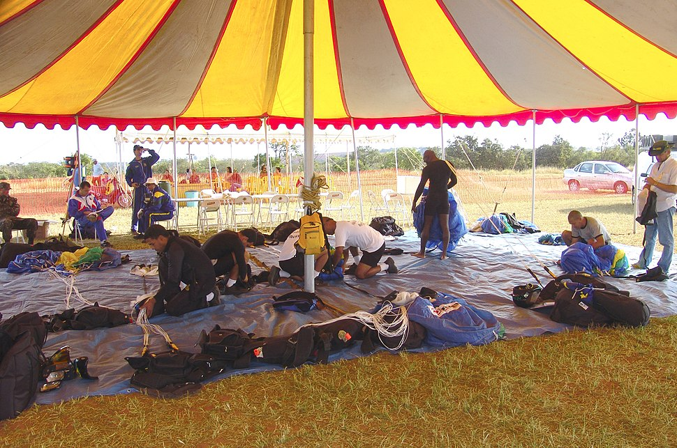 Acanpamento paraquedistas do exército REFON