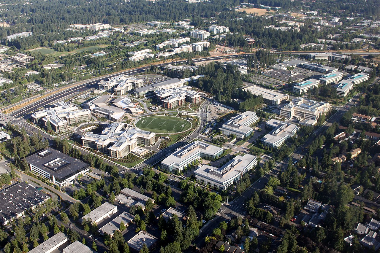 microsoft redmond office. File:Aerial Microsoft West Campus August 2009.jpg Redmond Office