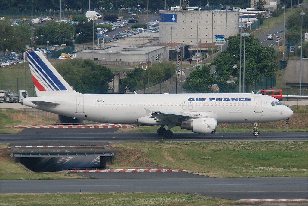 File air france airbus a320 211 f gjvg cdg for Airbus a320 air france interieur