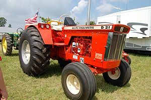 Allis-Chalmers D Series - An Allis-Chalmers D21, the largest in the D Series