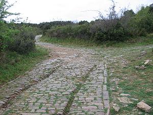 Via Domitia - Ambrussum: chariot ruts in the Via Domitia