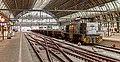 Amsterdam Centraal RTS Swietelsky 624-5 met ballastwagons (16280977917).jpg