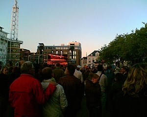 2009 attack on the Dutch royal family - Public gathering on the central market square during memorial service of 8 May 2009