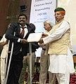 Arjun Ram Meghwal distributed the certificates, at the Valedictory Ceremony of IICA Certificate Programme (ICP) in Corporate Social Responsibility (CSR), at Gurugram, Haryana (3).jpg