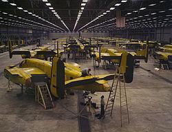 Assembling B-25 bombers at North American Aviation, Kansas City, Kansas.jpg