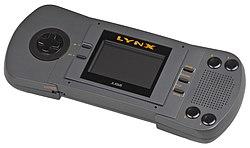 http://upload.wikimedia.org/wikipedia/commons/thumb/d/d6/Atari-Lynx-I-Handheld.jpg/250px-Atari-Lynx-I-Handheld.jpg