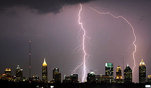 English: Lightning bolts hitting Atlanta skysc...