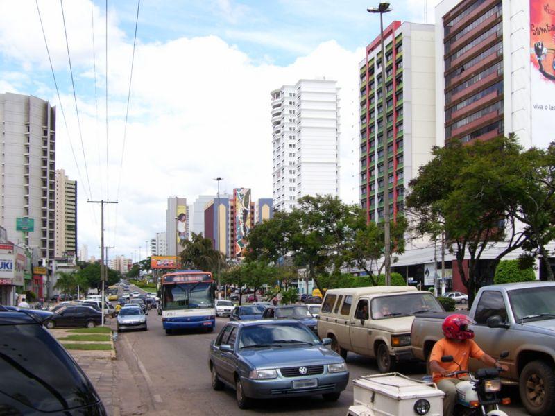 Ficheiro:Avenida do CPA2 (Cuiaba).jpg