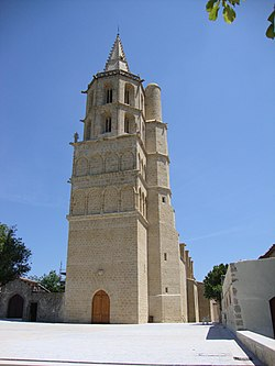 Avignonet-Lauragais (Haute-Garonne, Fr) église, tour et façade.JPG