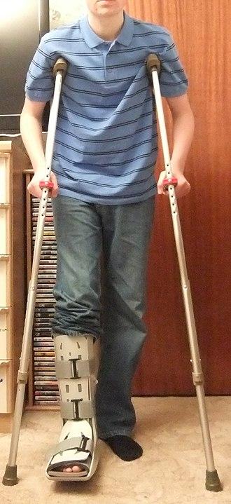 Crutch - Axillary (underarm) crutches