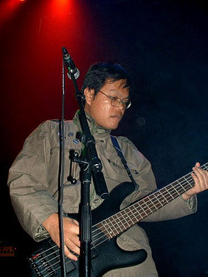 Azhar Levi Sianturi - Azhar Levi in the Netherlands, 2004 – European mini-tour