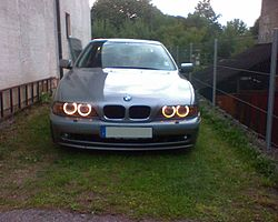 BMW E39 Angel Eyes.JPG