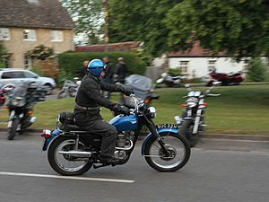 Cassington - A 1969 or 1970 BSA B25 Woodsman motorcycle leaving the Red Lion in 2015