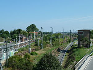 Michendorf–Großbeeren railway - Großbeeren: the Bypass Railway in the foreground and the Anhalt Railway in the background
