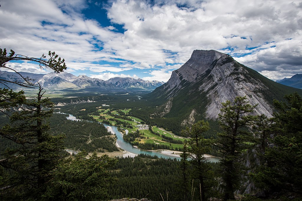 file banff national park  as seen from tunnel mountain