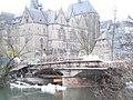Bauarbeiten an Weidenhäuser Brücke in Marburg, Traggerüst eingebaut, Bigpacks Wasserhaltung 2018-04-03.jpg