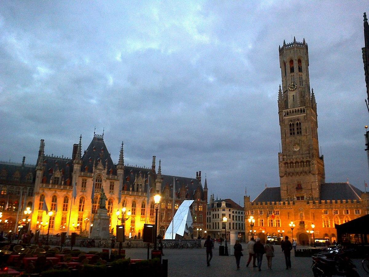 Belgique Bruges Grand-Place Palais Provincial Halles Beffroi - panoramio.jpg