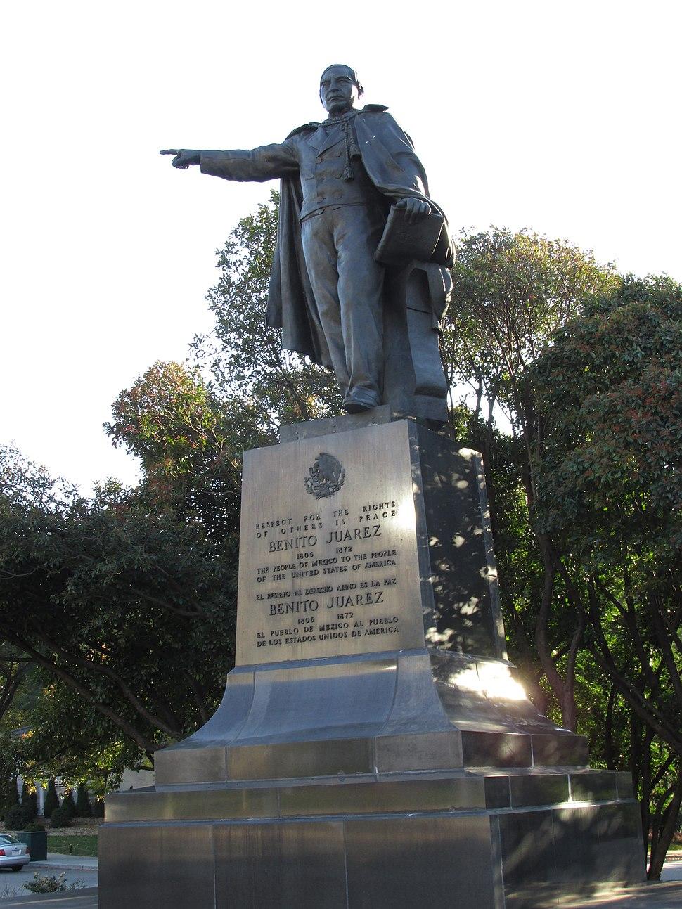 BenitoJuarezStatue