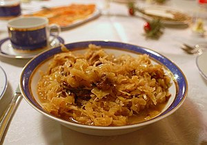 A plate of bigos
