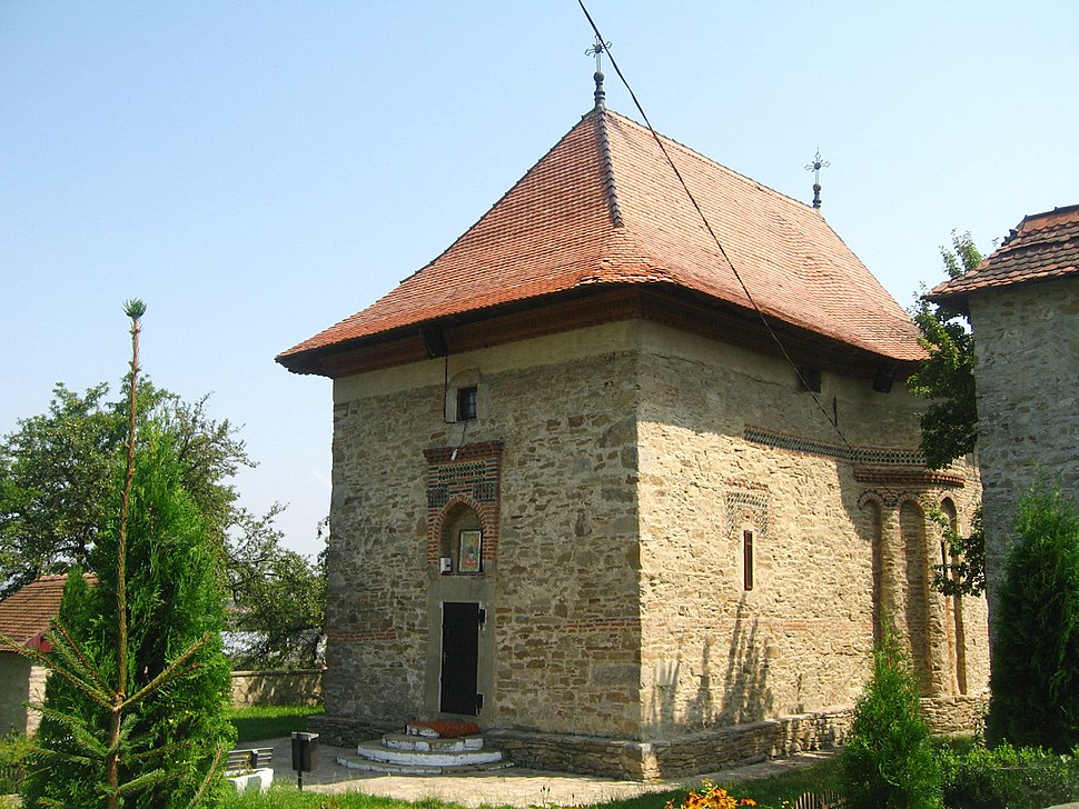 Biserica Sf. Treime din Siret13