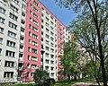 Blok mieszkalny przy ul. Lizbońskiej 2 w Warszawie.jpg