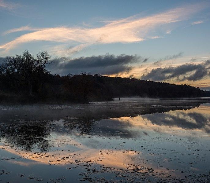 File:Bontecou Lake sunrise clouds.jpg