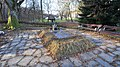 Brankovina, grave of Desanka Maksimović.jpg
