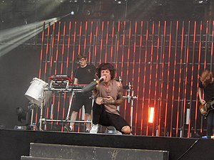 Bring Me The Horizon, Rock en Seine 2016, Paris (29541002650).jpg