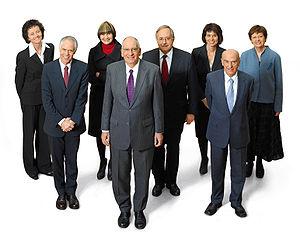 Os sete membros actuais do Conselho Federal. No meio, � frente, est� o presidente do Conselho.