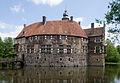 Burg Vischering und Gräfte.jpg
