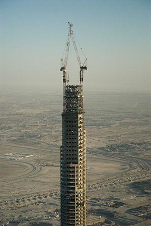 http://upload.wikimedia.org/wikipedia/commons/thumb/d/d6/Burj_dubai_aerial_closeup.jpg/300px-Burj_dubai_aerial_closeup.jpg