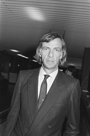 César Luis Menotti - Menotti during his tenure as manager of FC Barcelona, 1983