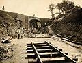 COLLECTIE TROPENMUSEUM Aanleg van een spoorweg met viaduct TMnr 60052205.jpg