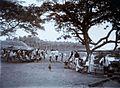 COLLECTIE TROPENMUSEUM Markt in de haven van Laboehan TMnr 60016537.jpg