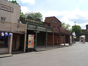 Chessington World of Adventures - Mexicana shop fronts