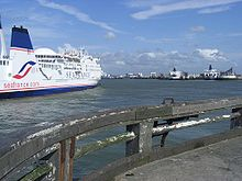 commons - wikimedia org - Calais Harbour France