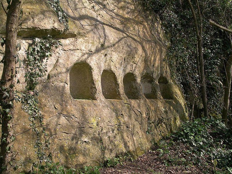 Cavités du Camp Romain de la Burette à Banville (Calvados)