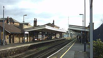 Canterbury East railway station - Image: Canterbury East Platform View 2