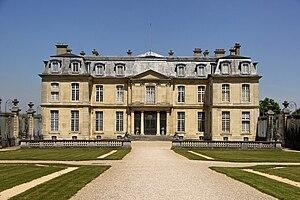 300px-Ch%C3%A2teau_de_Champs-sur-Marne_0