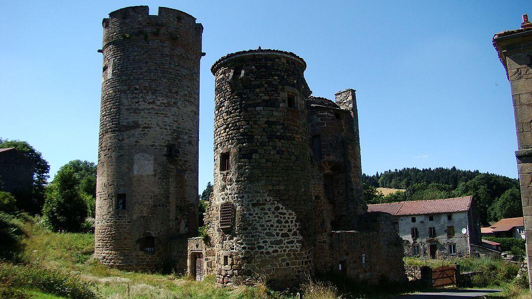 Ruines du château de Mercoeur  situé sur les hauteurs de Saint-Privat-d'Allier