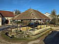 Chambornay-lès-Bellevaux, la fontaine-lavoir-abreuvoir.jpg