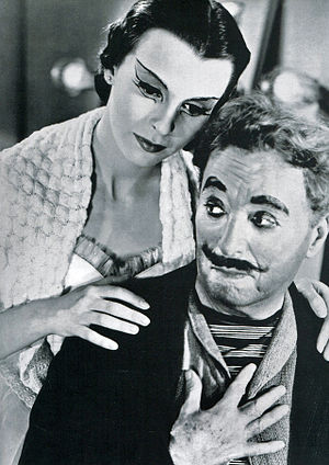 Limelight (1952 film) - Charlie Chaplin and Claire Bloom in Limelight