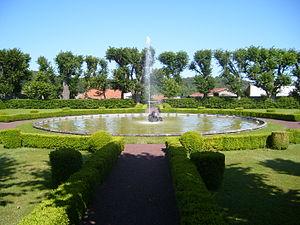 Château d'Opme - Image: Chateau d'Opme Upper Garden