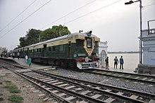 Circular Train Crossing Mayer Ghat - Baghbazar Railway Station - Kolkata 2017-04-29 1929.JPG