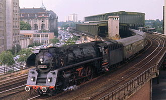 Berlin Zoologischer Garten railway station - A DR Class 01.5 leaves with a train for the West, 1973